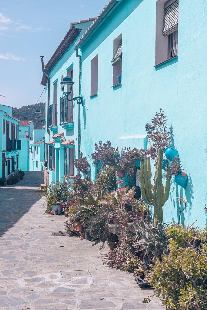 Blue Smurfs Village : Juzcar, Andalusia #andalusia #spain #travel #juzcar #blue #village #destinations #europe #smurfs