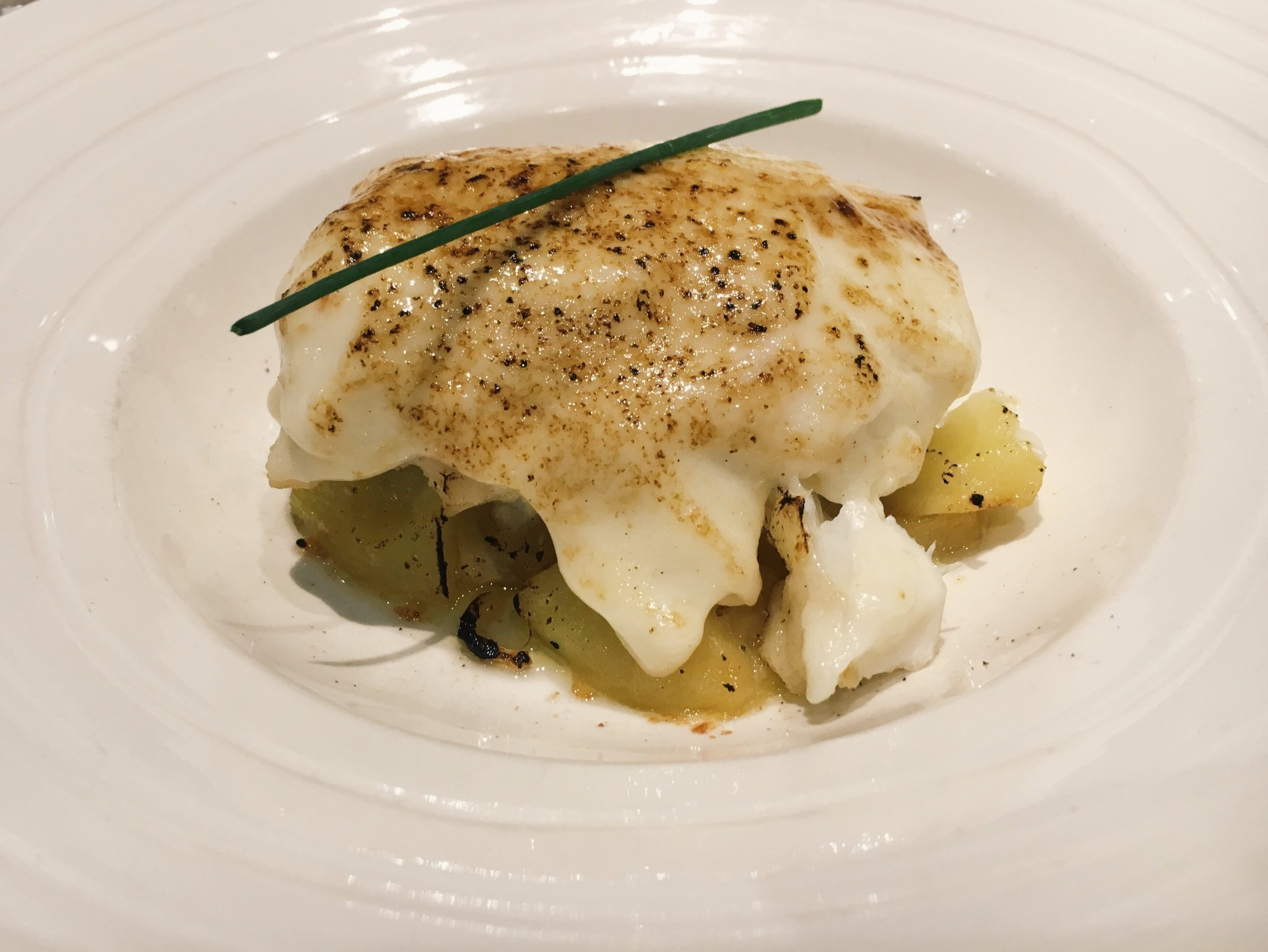 One of the most delicious gastronomic inventions I´ve tried in one of the local restaurants in Morella Spain: a cod with an apple alioli sauce