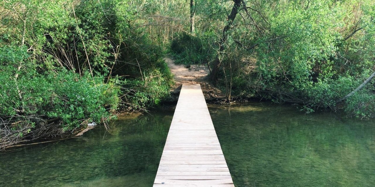 Hikes in Valencia: The route of the hanging bridges of Chulilla