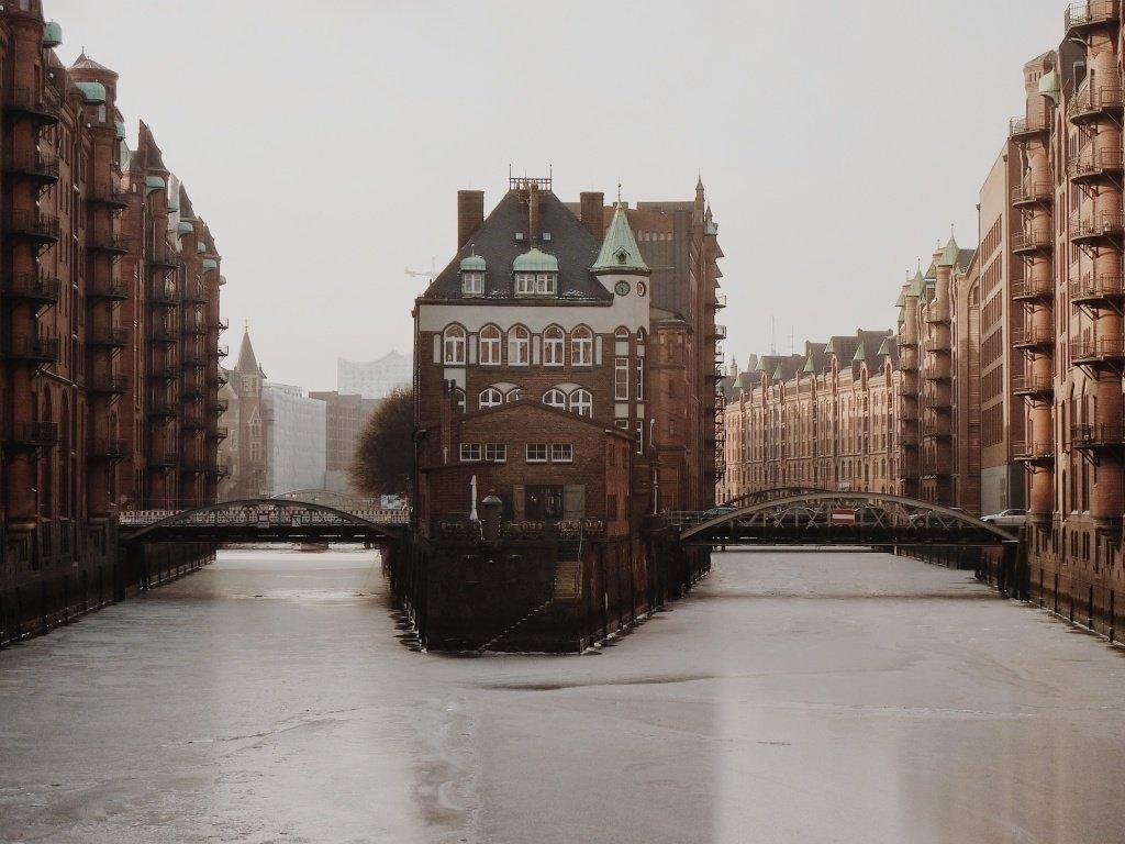 Kibbelstegbrücke in. Hamburg