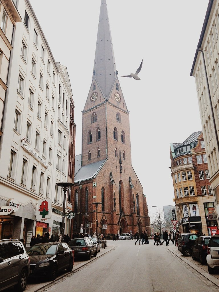 #Hamburg is considered one of the coolest and most innovative European #cities for a reason. Let´s check #Top #places in Hamburg #Germany you can´t miss! #travelblog #travel #europe