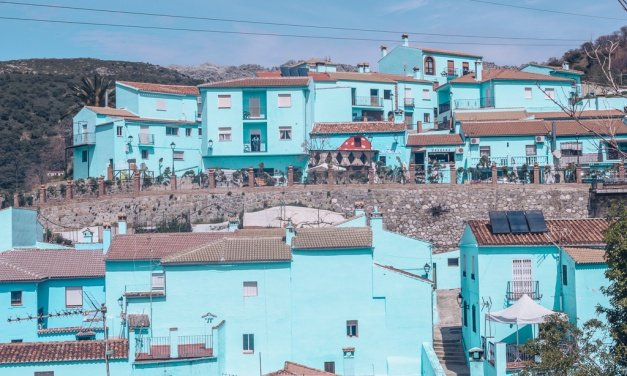 Blue Smurfs Village : Juzcar, Andalusia