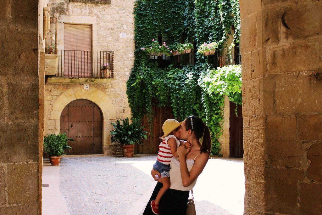 Mother daughter travel photo at Conjunto Historico Villa de Calaceite in Teruel