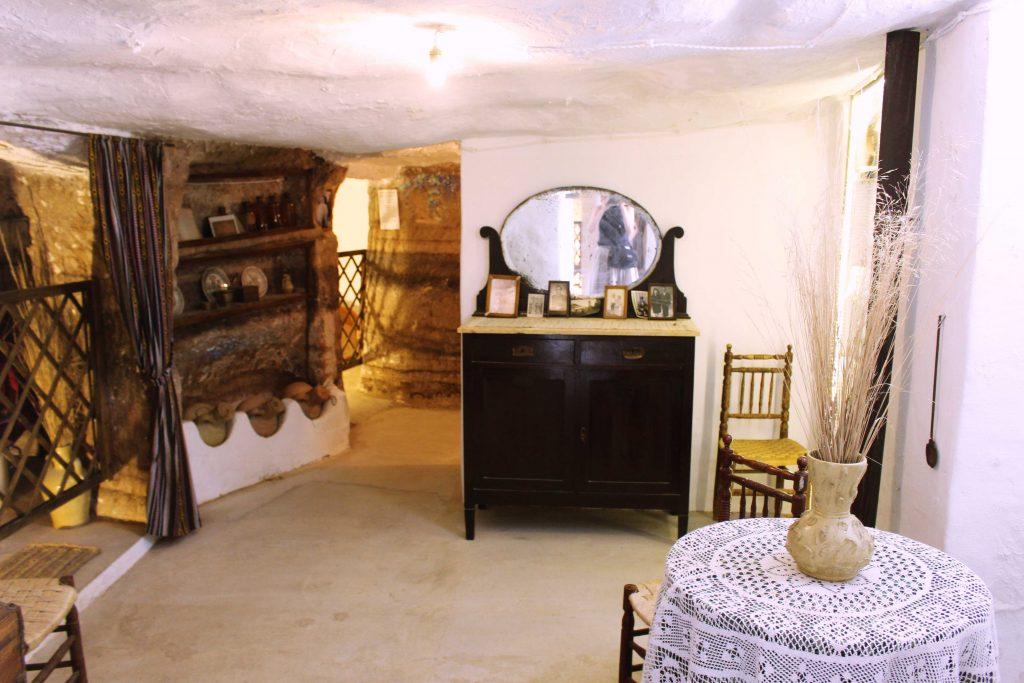 """Cave House under the Castle of Alcala de Jucar - Casa Cueva """"El Castillo"""""""