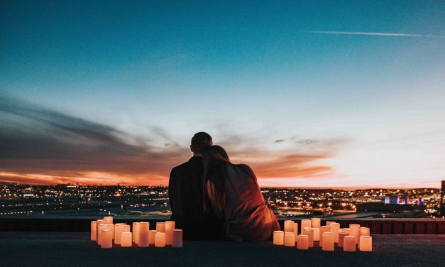 Top Romantic Travel Movies to watch with your loved one
