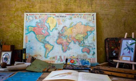 The Ultimate Traveler´s Reading List: 40+ Wanderlust Books Hard to Put Down
