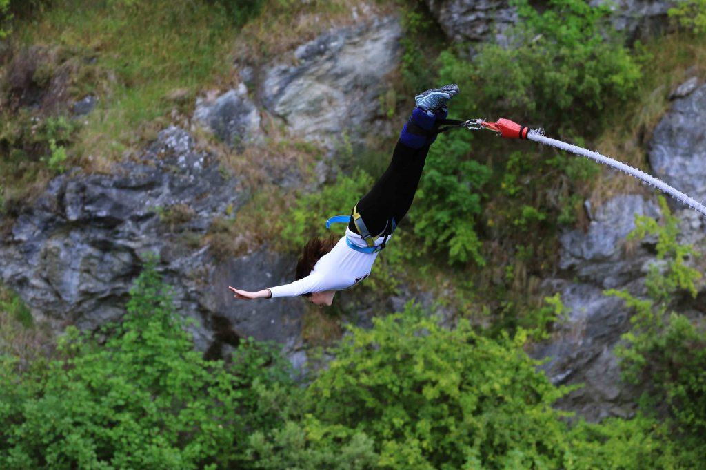 bungee jumping new zealand