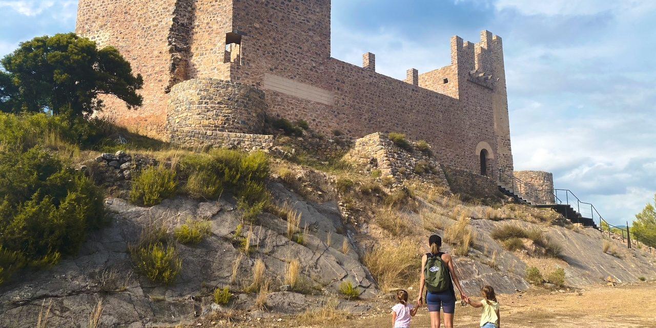 Hiking in Castellon with Kids: Castillo de Gaibiel